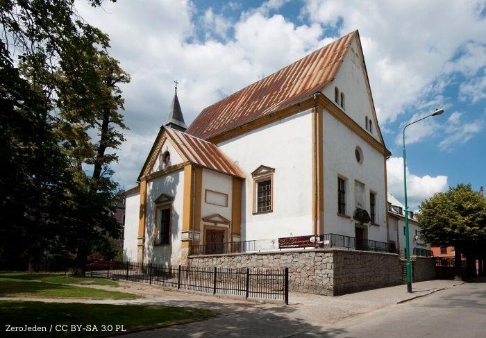 Policja Świdnica: Zaparkował w krzakach, został zatrzymany z narkotykami