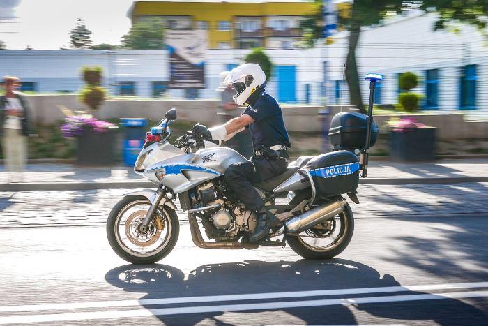 Policja Świdnica: Rowerzysto – bądź bezpieczny na drodze!